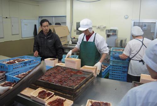 有限会社魚石商店の実習生